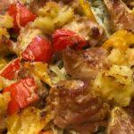 一度にメインと付合せが調理できるオーブン料理*鶏もも肉に下味を付けるのがコツ!