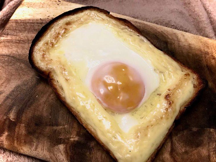 山形食パンで【こがしマヨたまトースト】