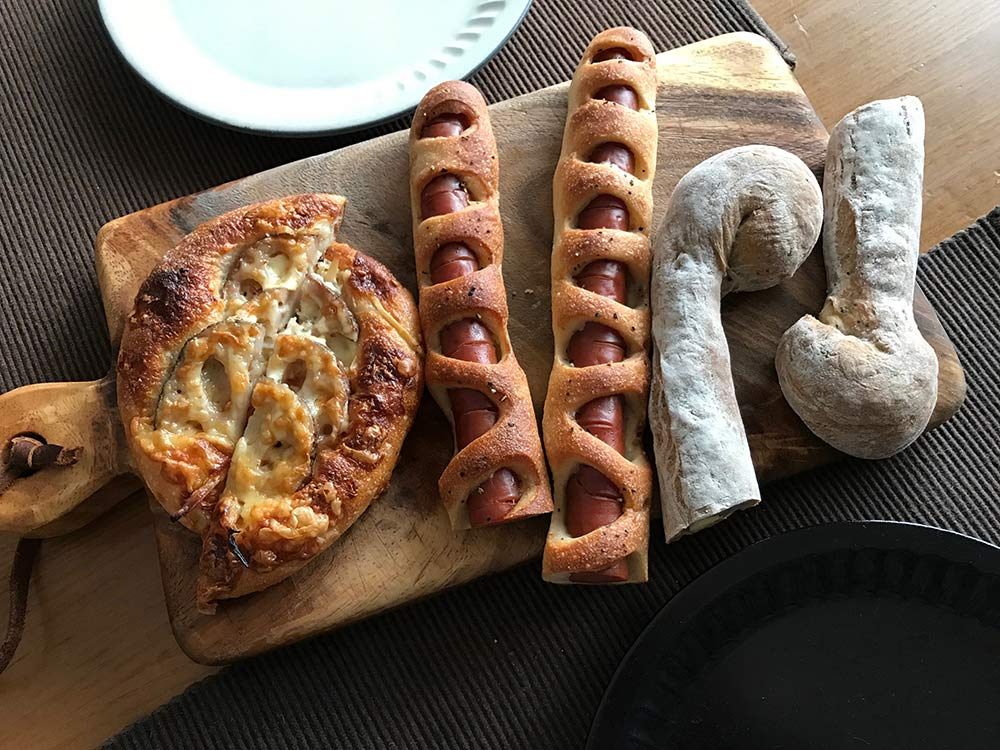 アラジンのグラファイトグリル&トースターAGT-G13A*パン屋さんのパンを温め直す