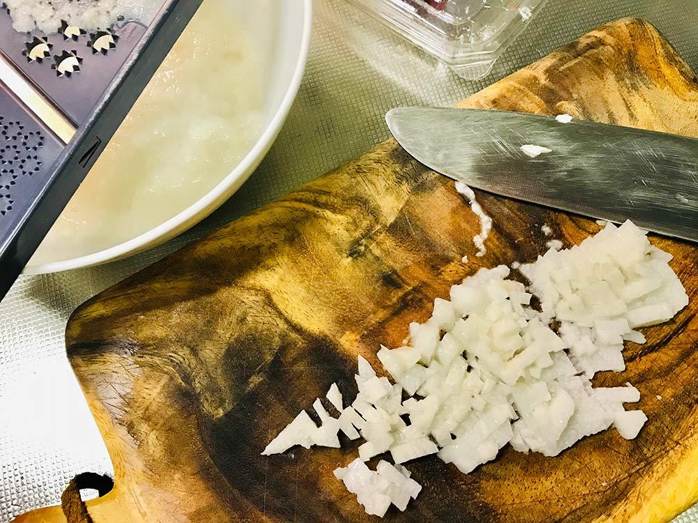 刺身の漬けでごちそうとろろごはん*長芋はすりおろし&みじん切りで食感に変化を!